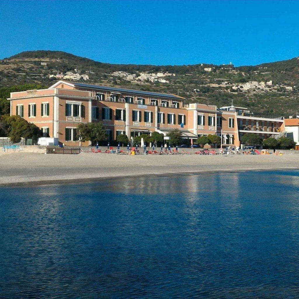 HPL_facciata_vista dal mare_FB